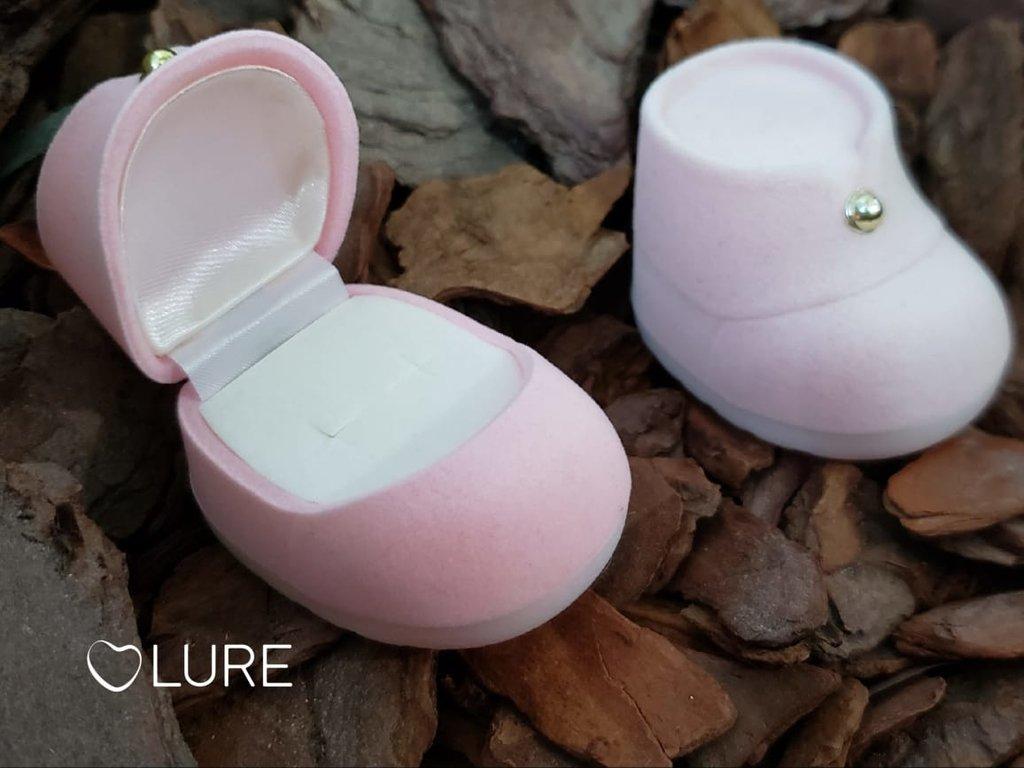 Caixinha em Veludo Sapatinho de Bebê Rosa