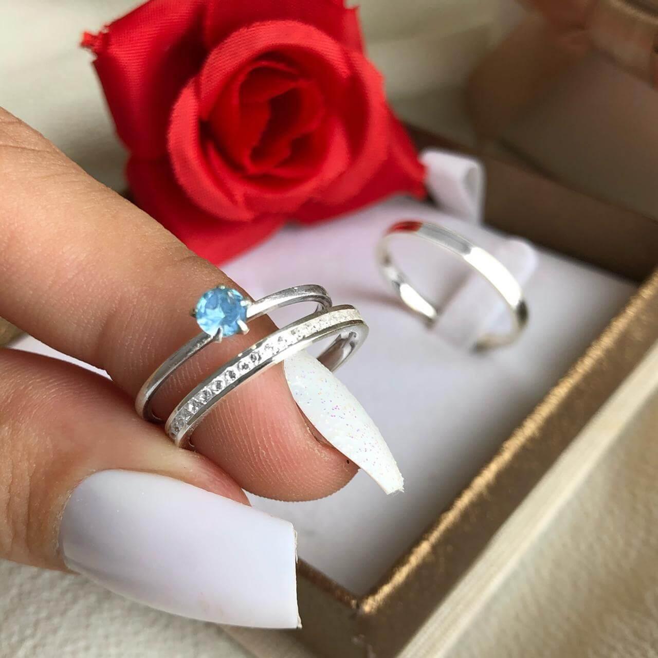 Combo Alianças Gênova em Prata + Anel Solitário Pedra Azul Claro ❤️