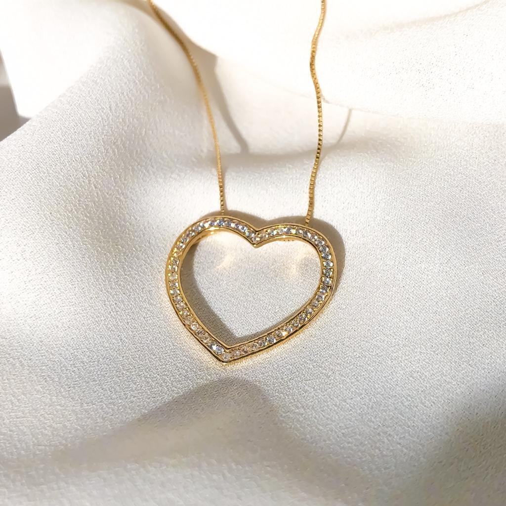 Conjunto Corrente Veneziana em Ouro 18k 45cm + Pingente Coração com Pedrarias em Ouro 18k
