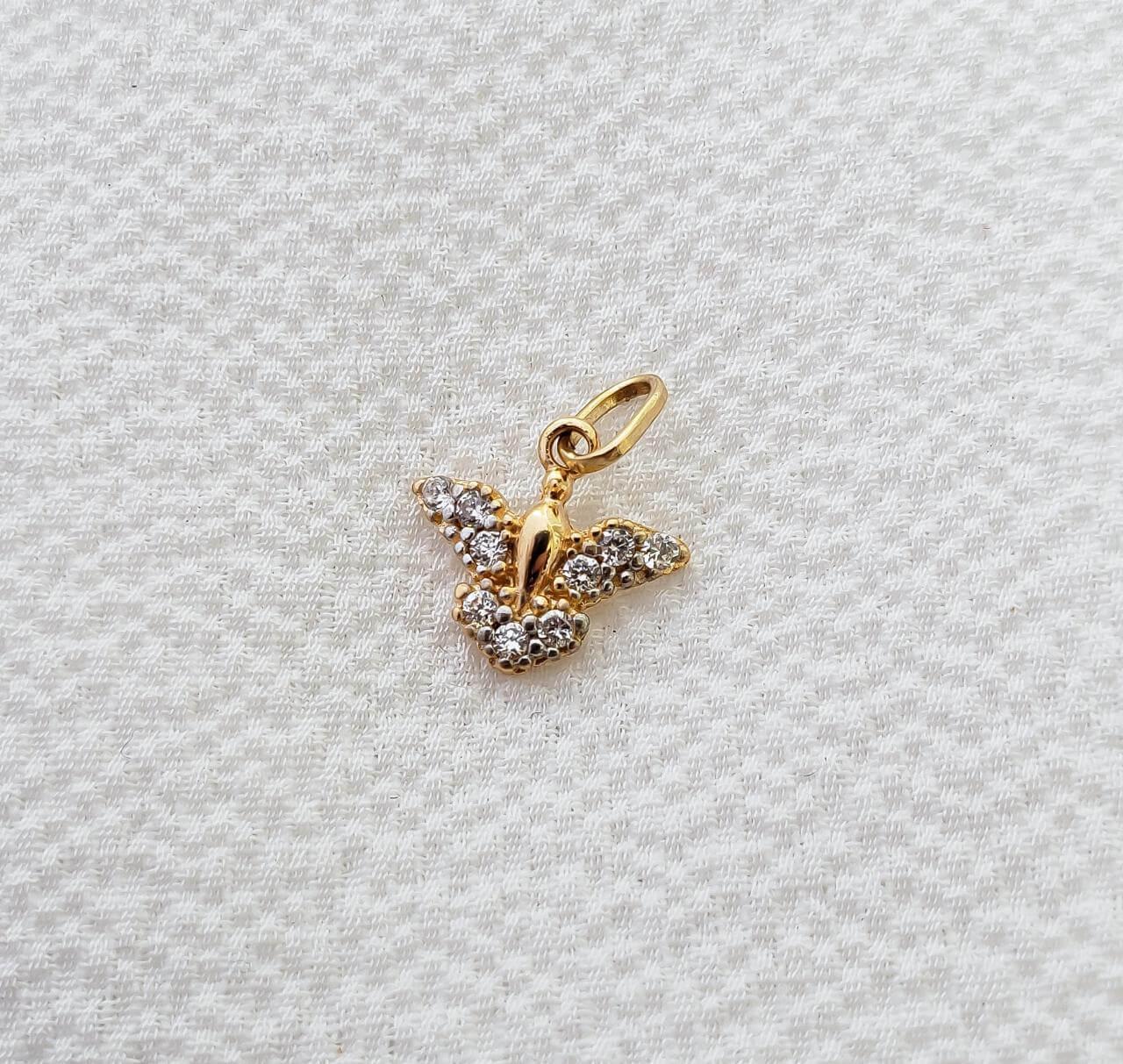 Pingente Espirito Santo em Ouro 18K com Pedra