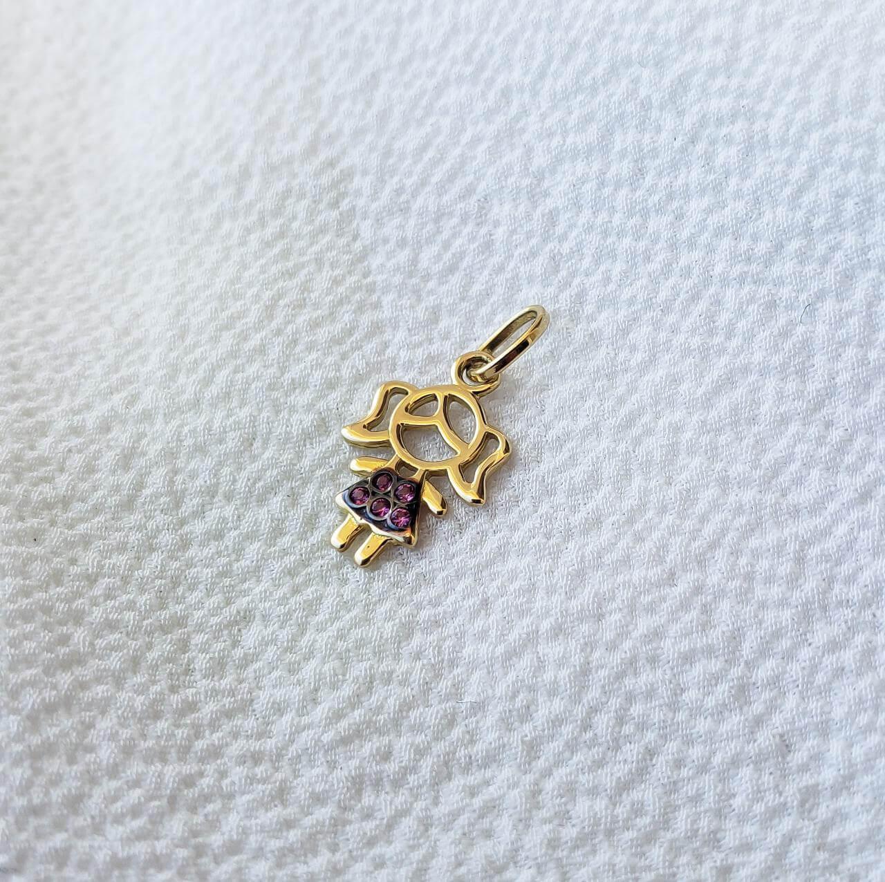 Pingente Menina em Ouro 18K com Pedra Rosa