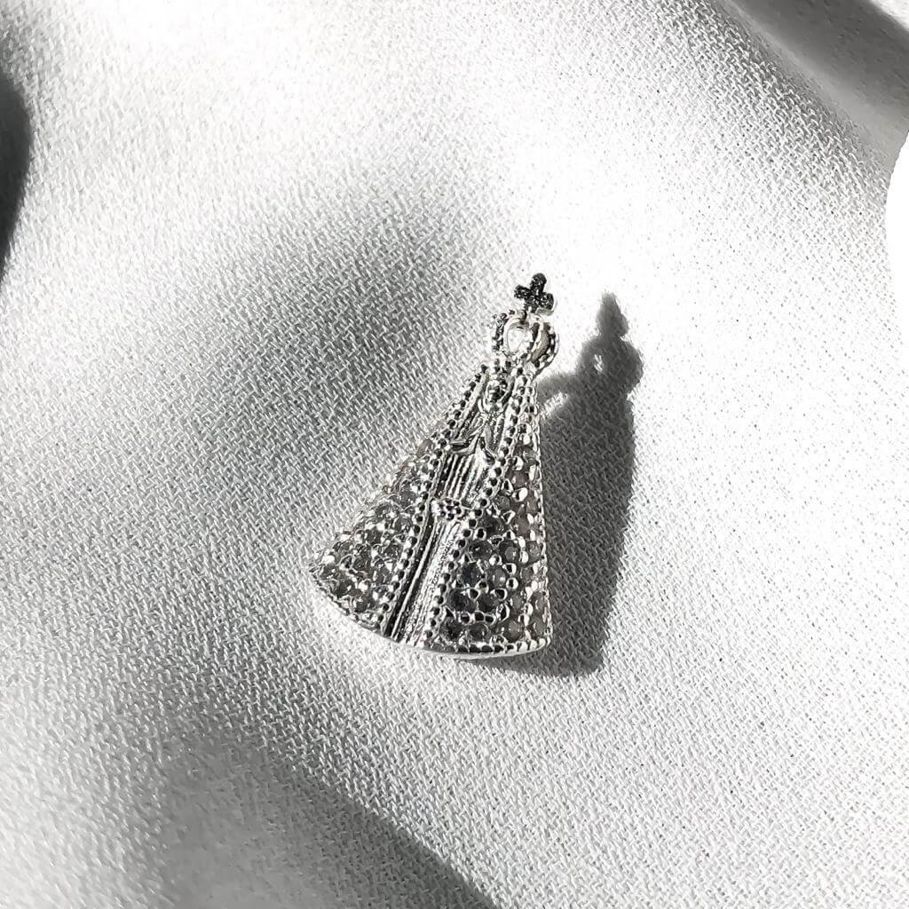 Pingente  N.S. Aparecida em Prata 925 Cravejado