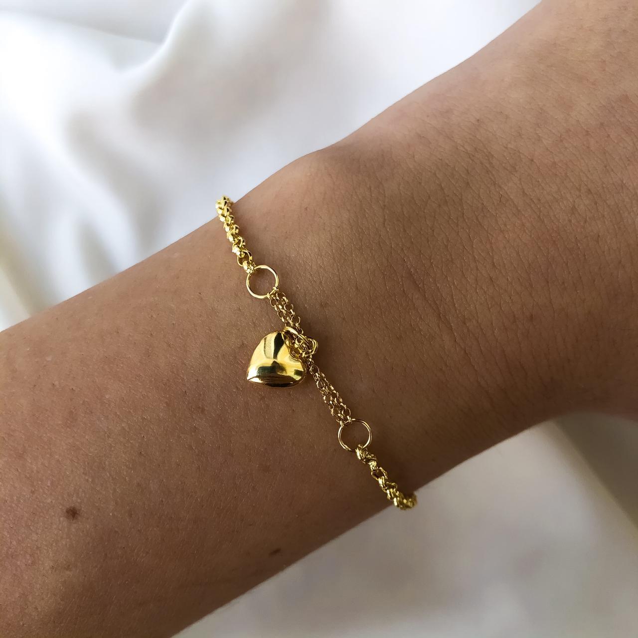 Pulseira Elo Português Pingente de Coração Pequeno em Ouro 18K 18cm