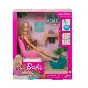 Boneca Barbie com Acessórios Mani-Pedi Spa - Mattel