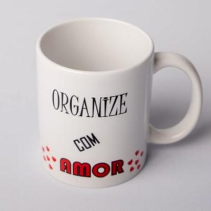 """Caneca """"Organize com Amor"""""""