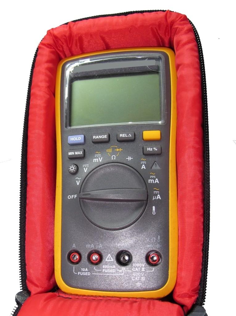 Bolsa, Case de Transporte p/ Multímetro Digital Mod-II: C23,0 x L13,0 x A6,4(cm)