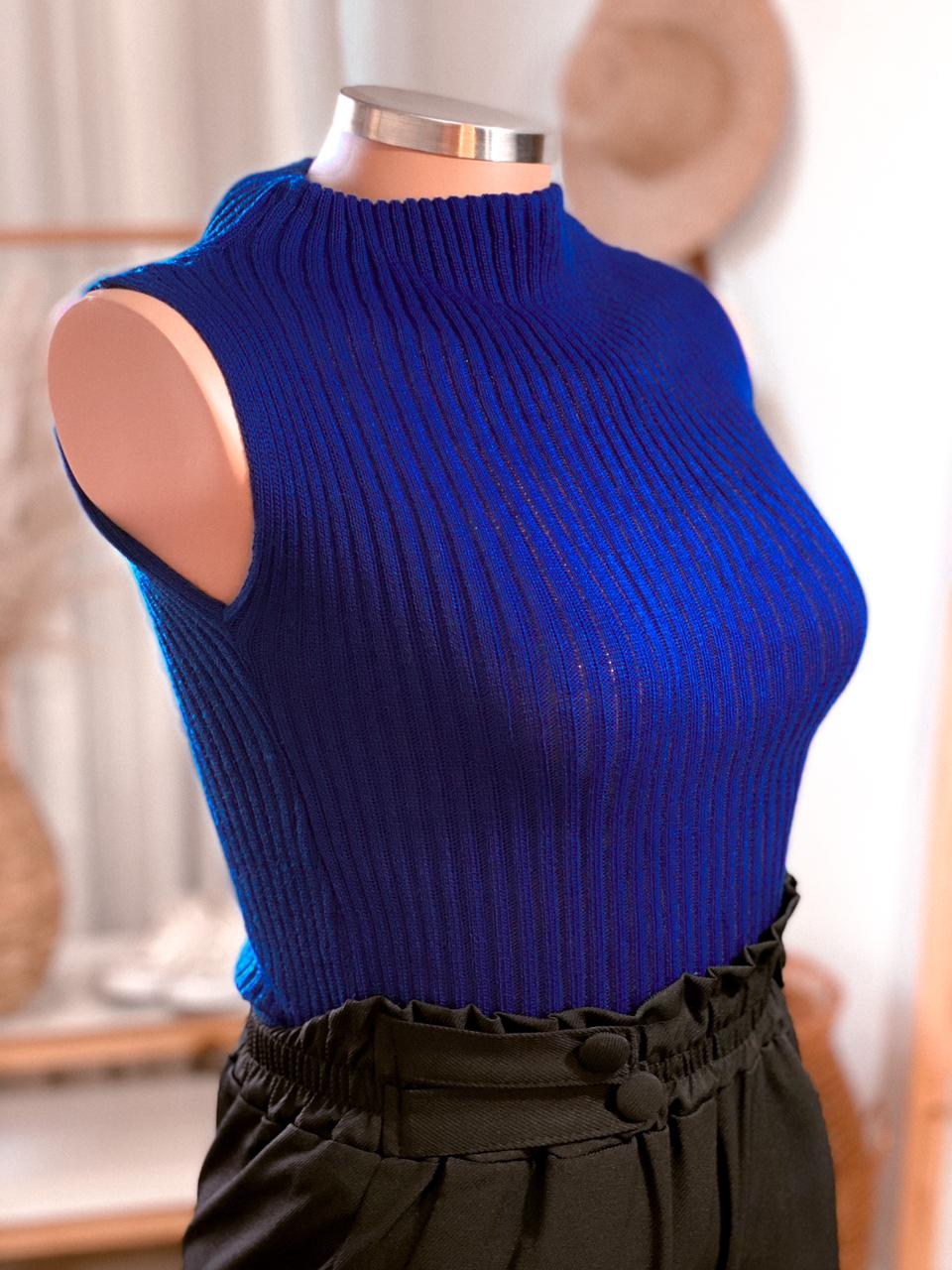 Blusa Cacharrel gola alta