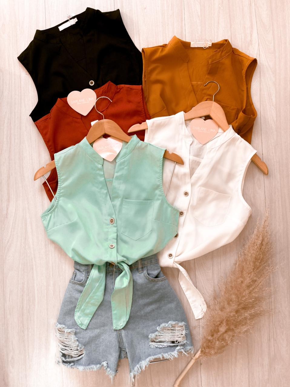 Blusa com amarração e botões