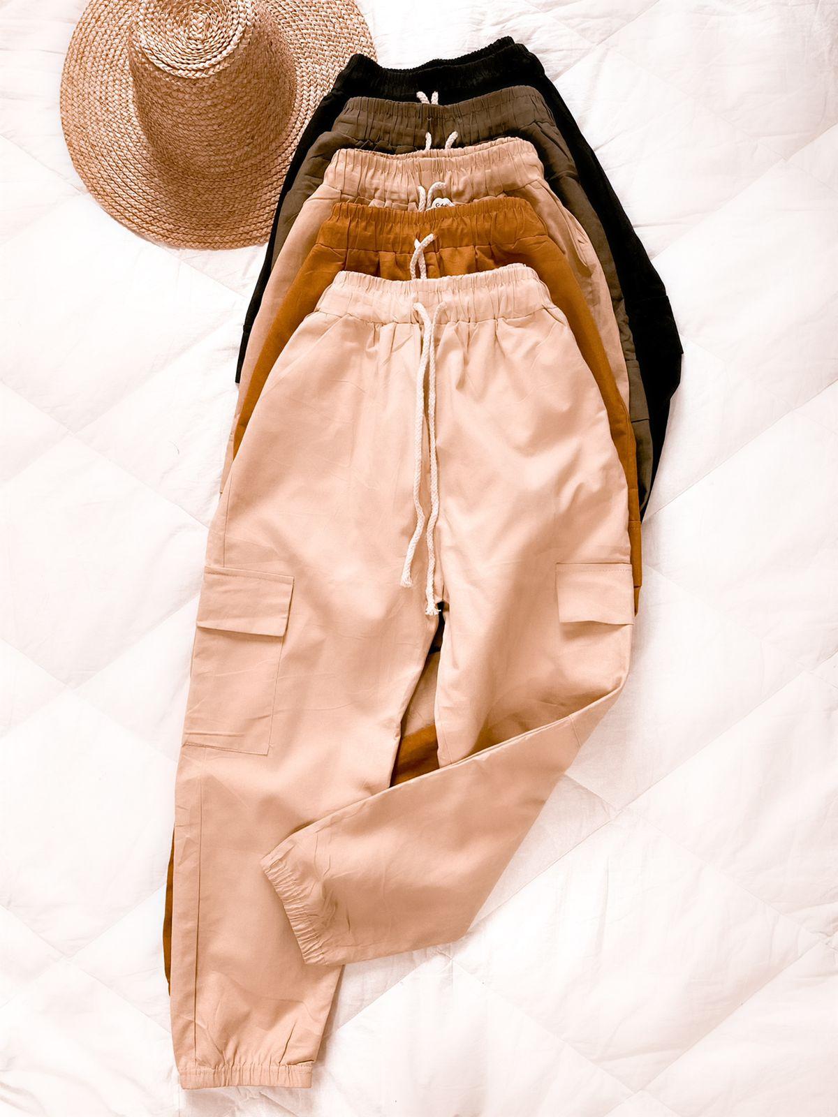Calça Sarja com bolsos laterais