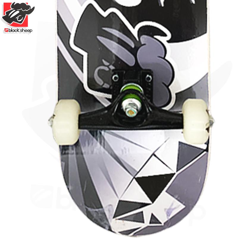 Skate Montado Black Sheep Iniciante Modelo: Diamante Negro