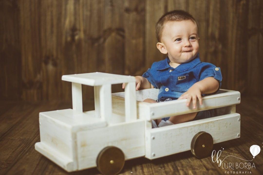 Caminhão de Madeira Branco Pátina