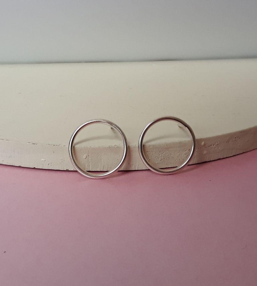 Brinco Circulo Vazado - Prata 925