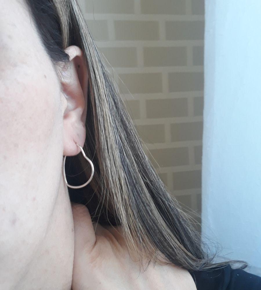 Brinco de Argola Coração Fio Redondo Pequeno - Prata 925