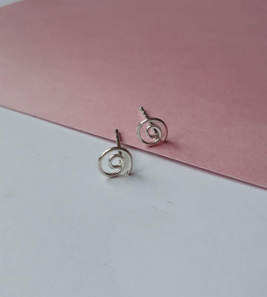 Brinco Espiral Pequeno - Prata 925