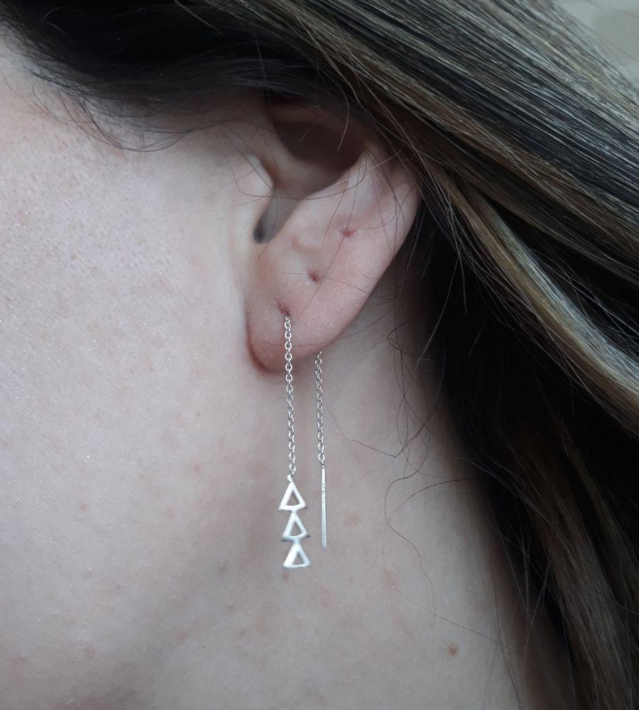 Brinco Fio com 3 Triângulos - Prata 925