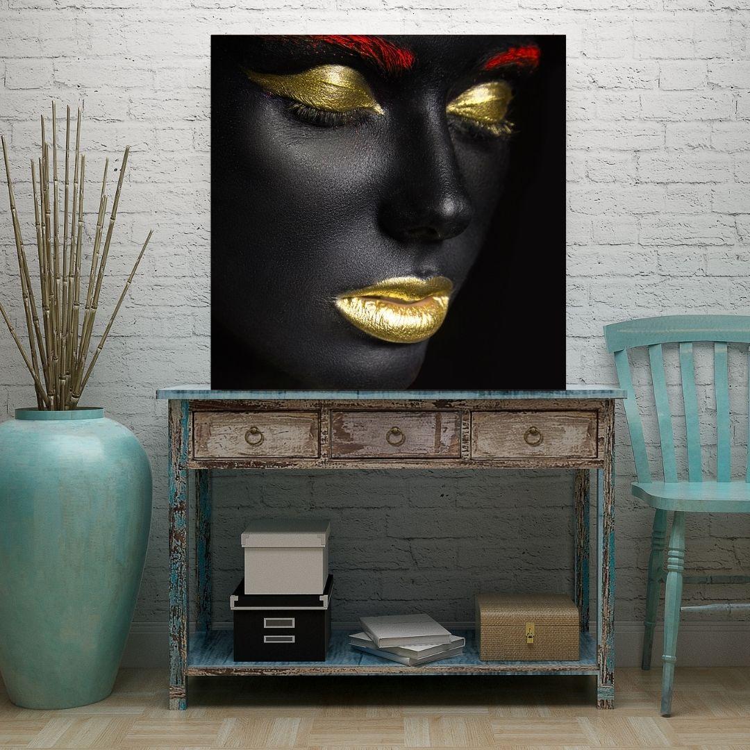Quadro Decorativo- Negra - Com Maquiagem Dourada - 70x70cm