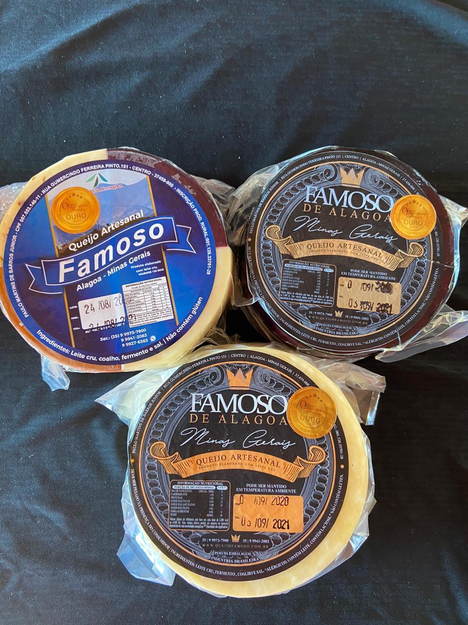 TRIO ESPECIALE - 3 queijos artesanais ALAGOA - DEFUMADO, AO VINHO E 4 SABORES - 1 KG cada peça