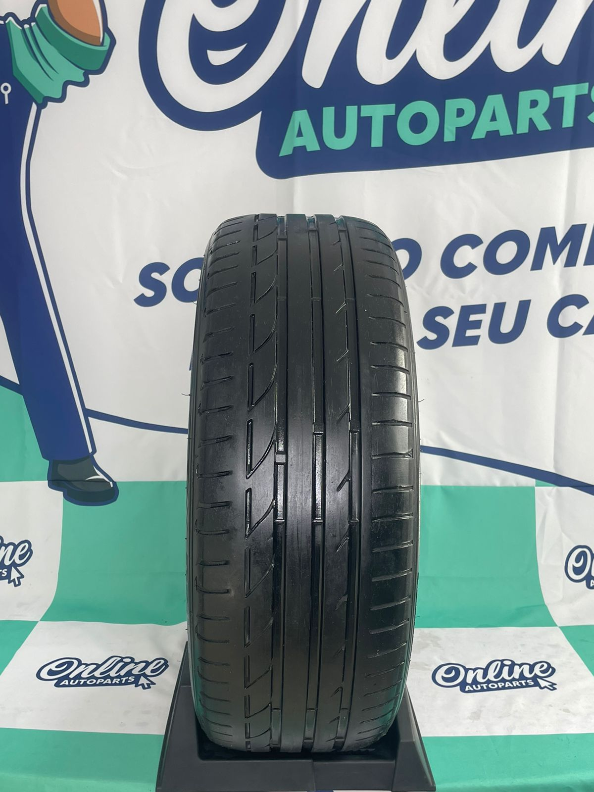Par Pneu 225/45/19 Bridgestone Potenza S001 A6/X1 Run Flat