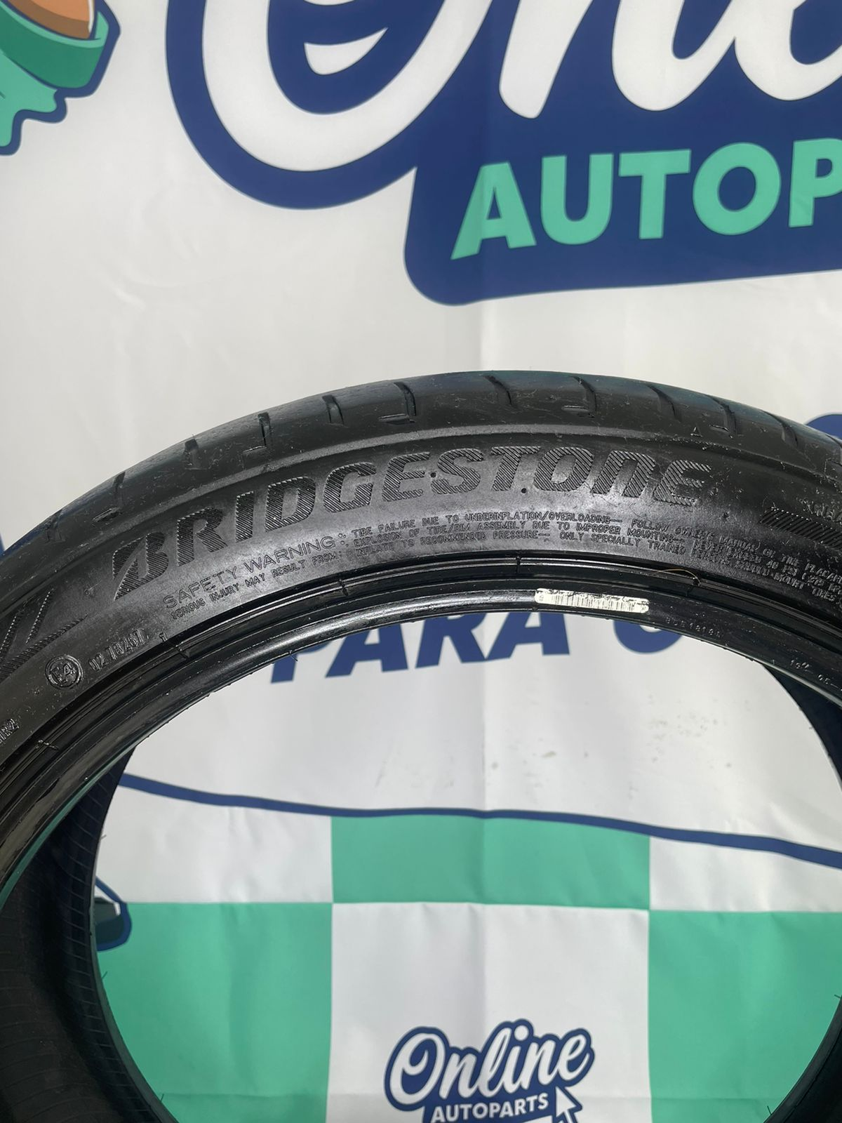 Pneu 225/45/19 Bridgestone Potenza S001 A6/X1 Run Flat
