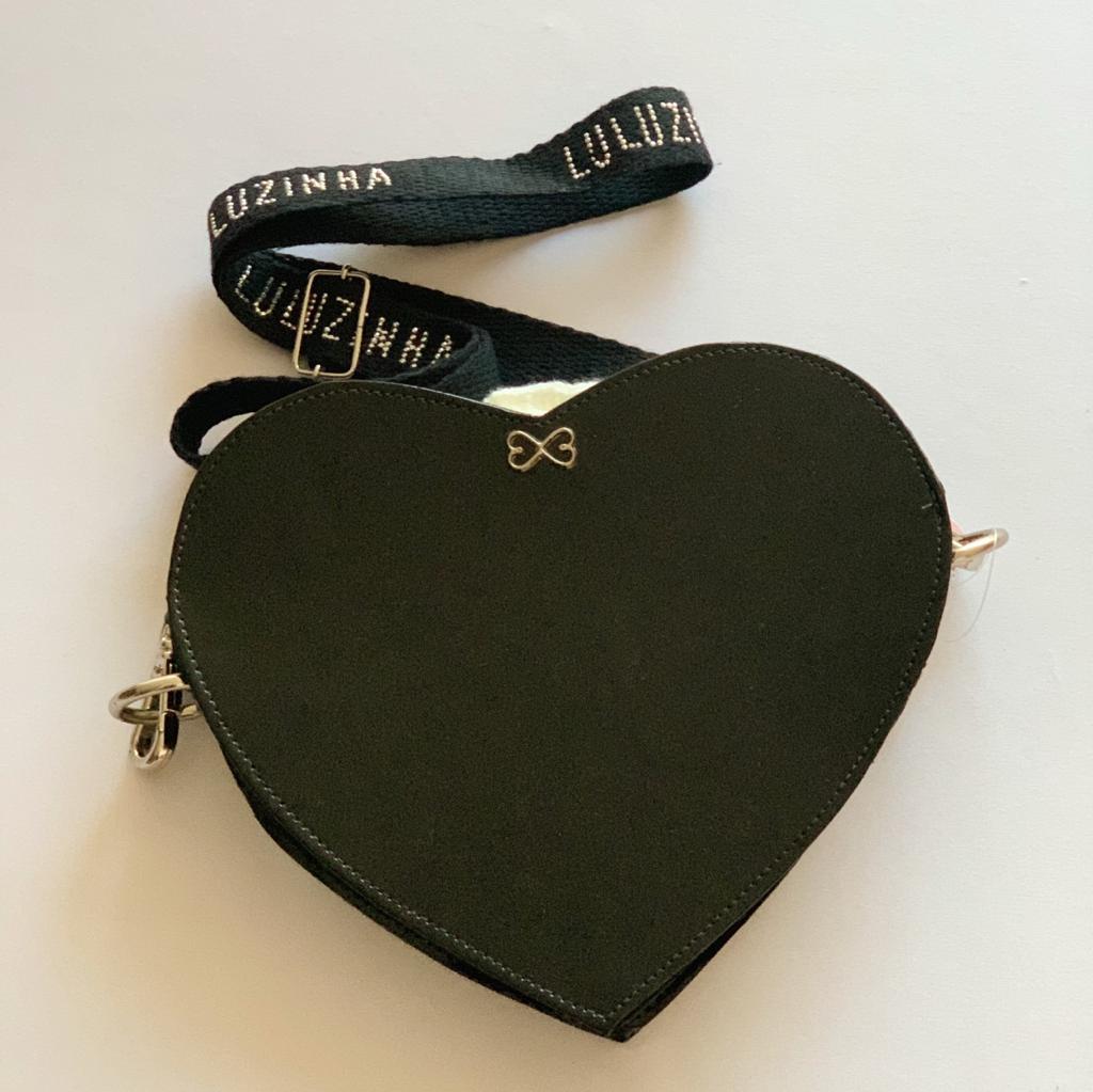Bolsa Coração Verniz preta