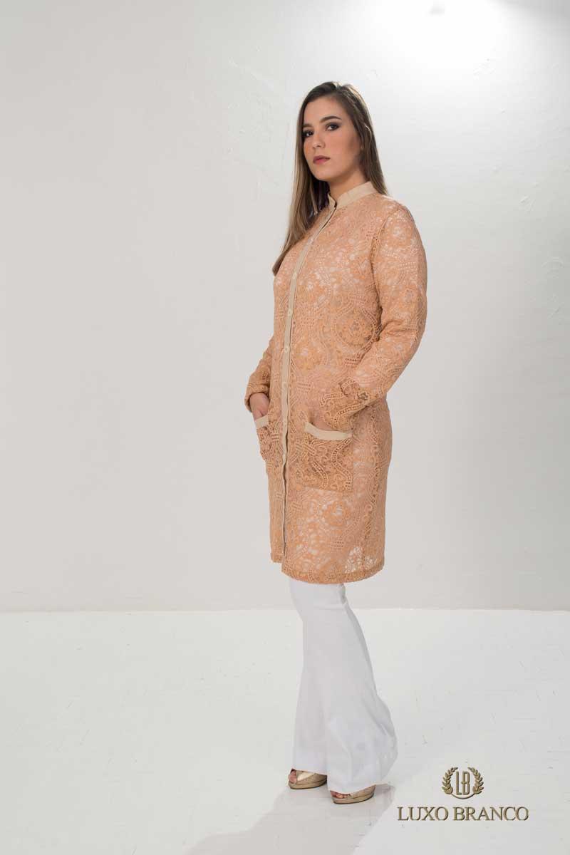 Jaleco Hamatita em Renda Suíça Bege  - Luxo Branco - Jalecos Personalizado Feminino