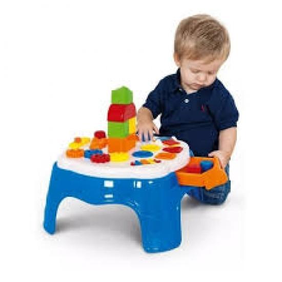 Mesa de atividades azul