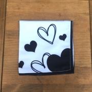 Guardanapo branco com corações pretos G. Cód.JT04
