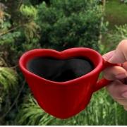 Caneca formato coração de cerâmica 150ml design vermelho - Cód. EROC448
