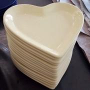 Travessa petisco M formato coração amarelo bebê - Cód.ER154A