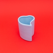 Vaso alto formato coração de cerâmica design azul bebê - Cód. EROC493