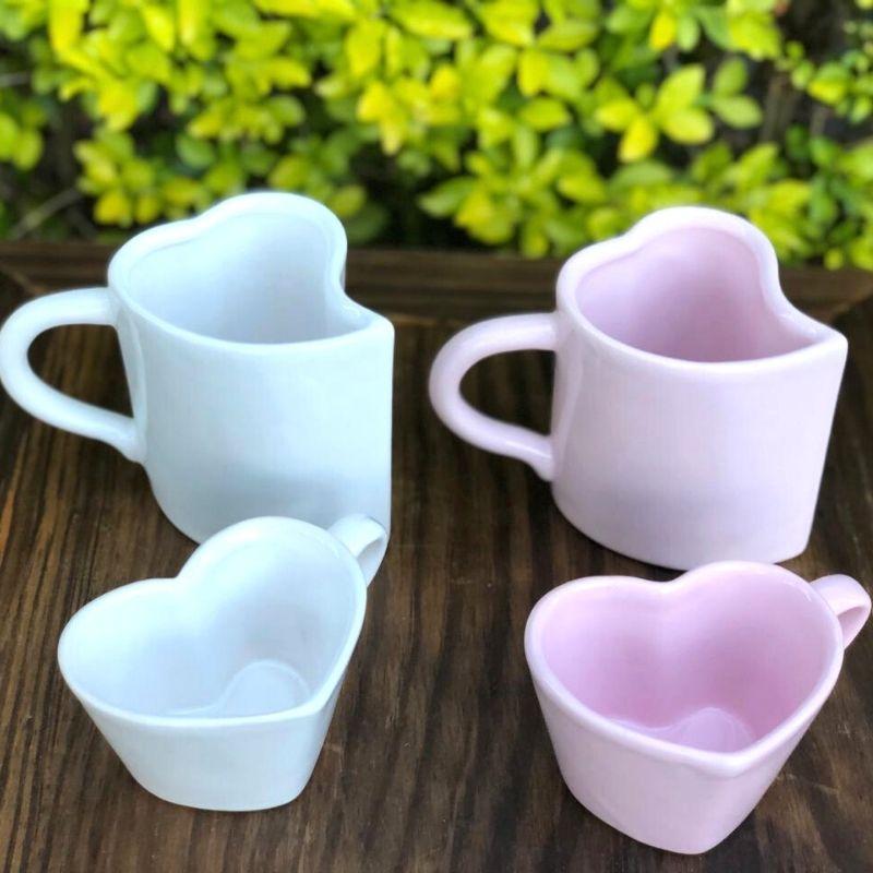 Caneca formato coração de cerâmica 300ml design rosa - Cód. EROC454