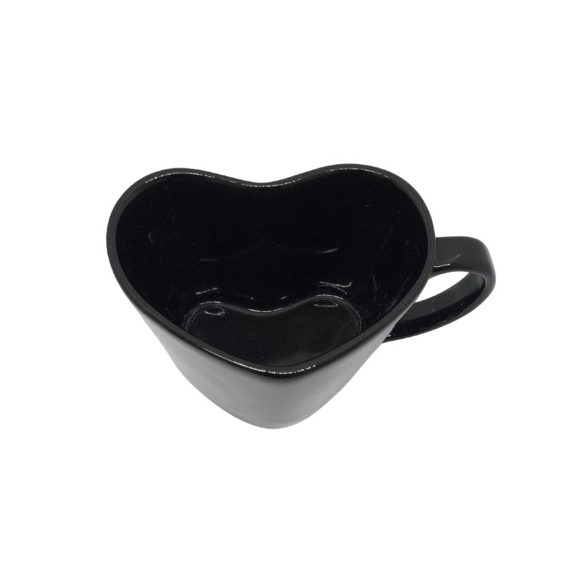 Caneca formato coração de porcelana preta 150ml. OC191