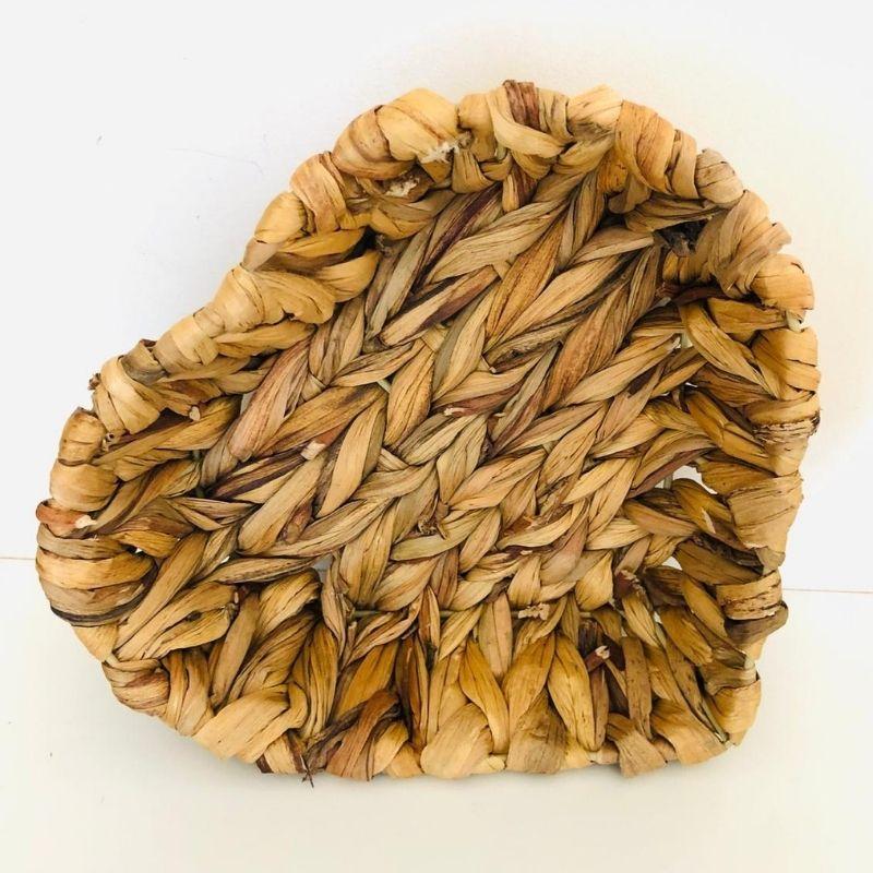 Cesta formato coração de fibra natural vime . Cód.1340