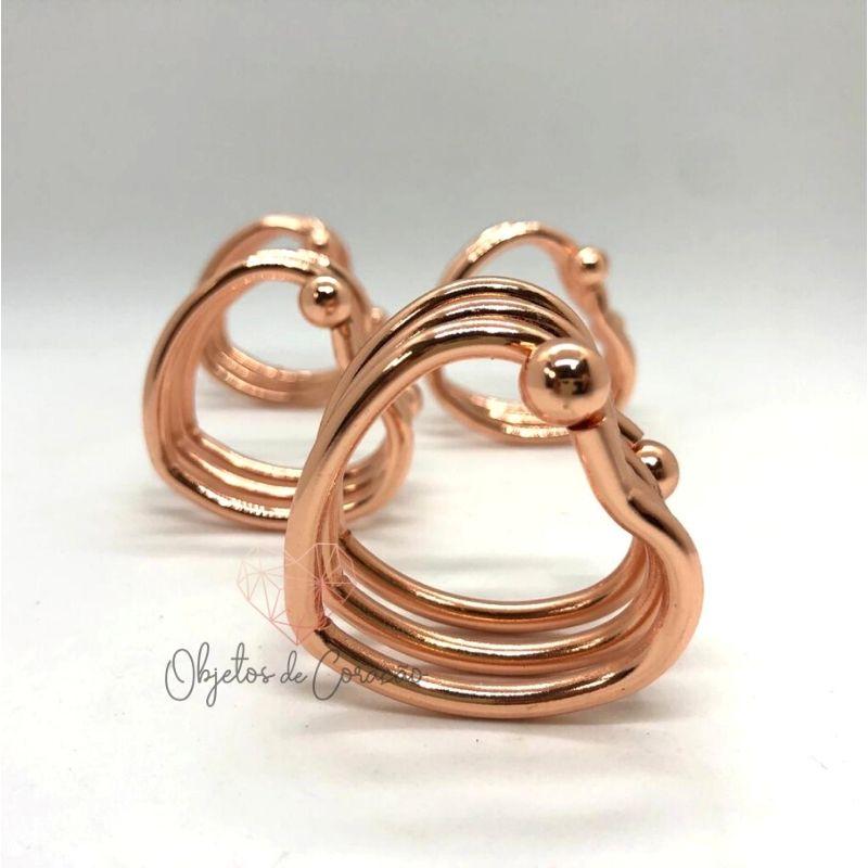 Conjunto c/ 4 porta guardanapos formato coração de metal rose . Cód. 61393