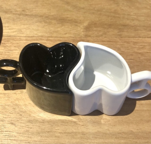 Jogo c/ 2 canecas formato coração casal - Cód. KL8445-10521