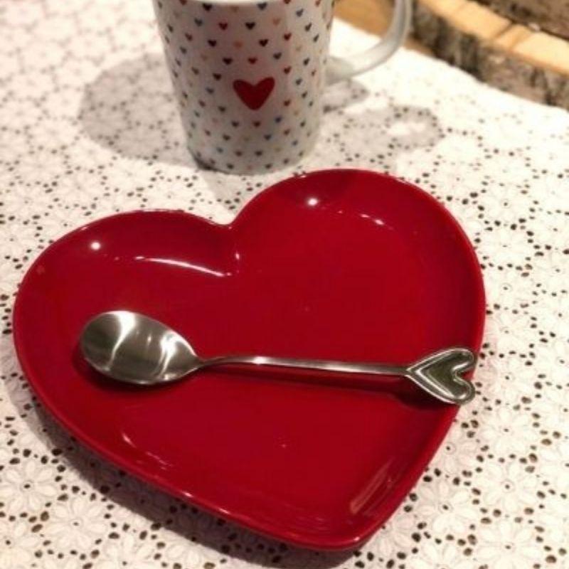 Jogo c/ 4 pratos formato coração de sobremesa cerâmica vermelho brilhante - Cód. OC414J