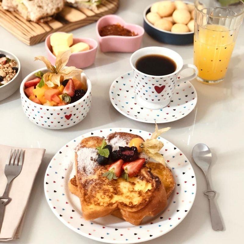 Jogo café da manhã amor colorido
