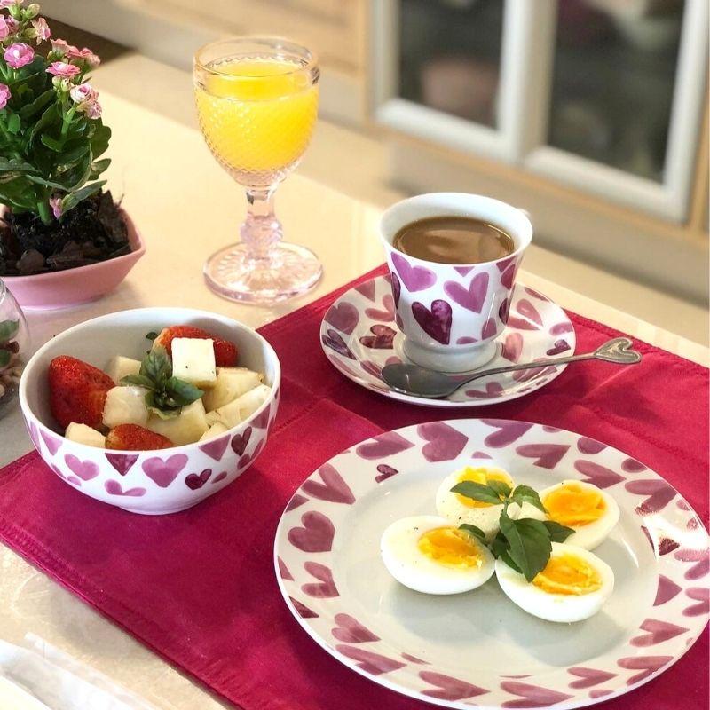 Jogo café da manhã Explosão de Amor