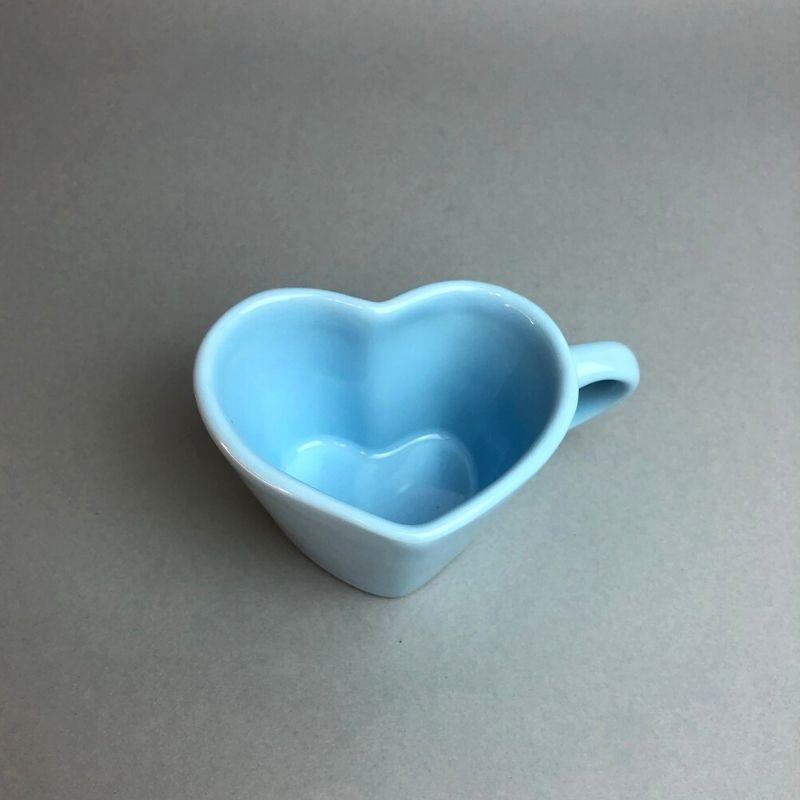 [OUTLET] Caneca formato coração de cerâmica 150ml design azul bebê - Cód. OUTEROC464 [OUTLET]