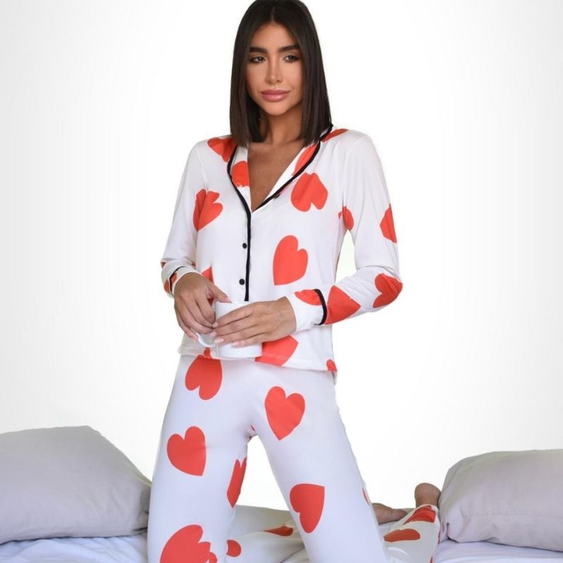 Pijama estampa de coração vermelho e fundo branco manga longa M. Cód. OC600