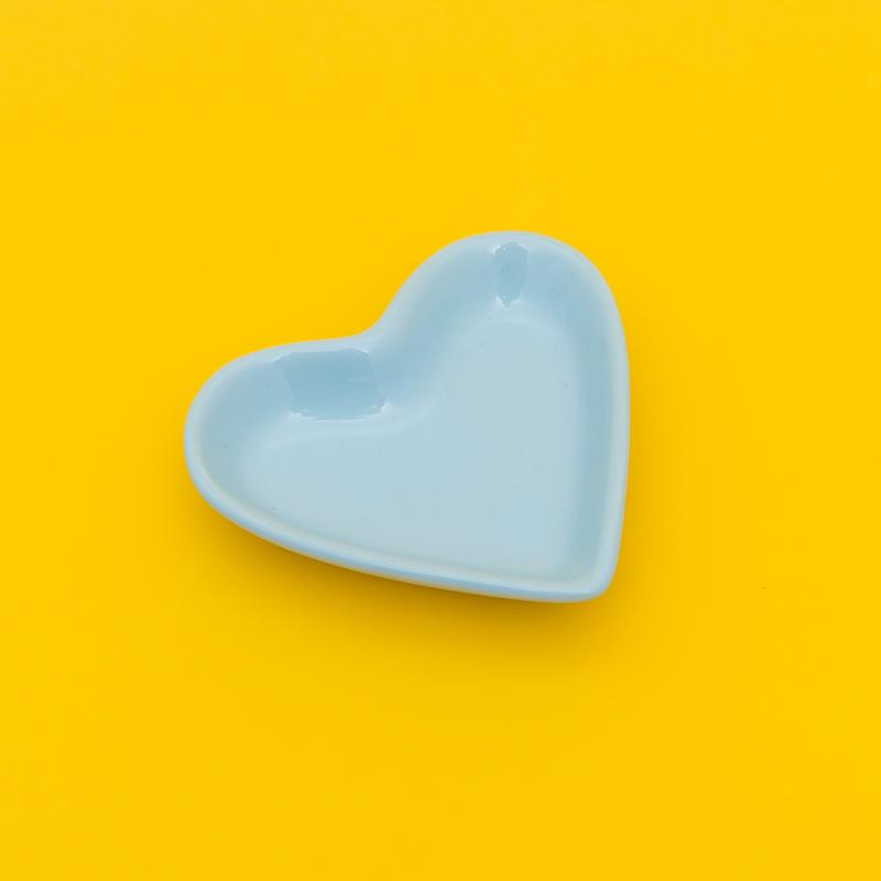 Pires formato coração azul bebê - Cód. ER148AB