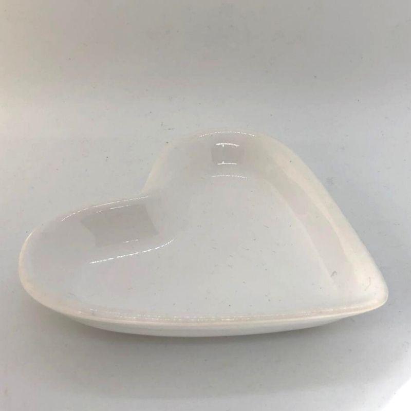 Pires formato coração branco - Cód. ER148B
