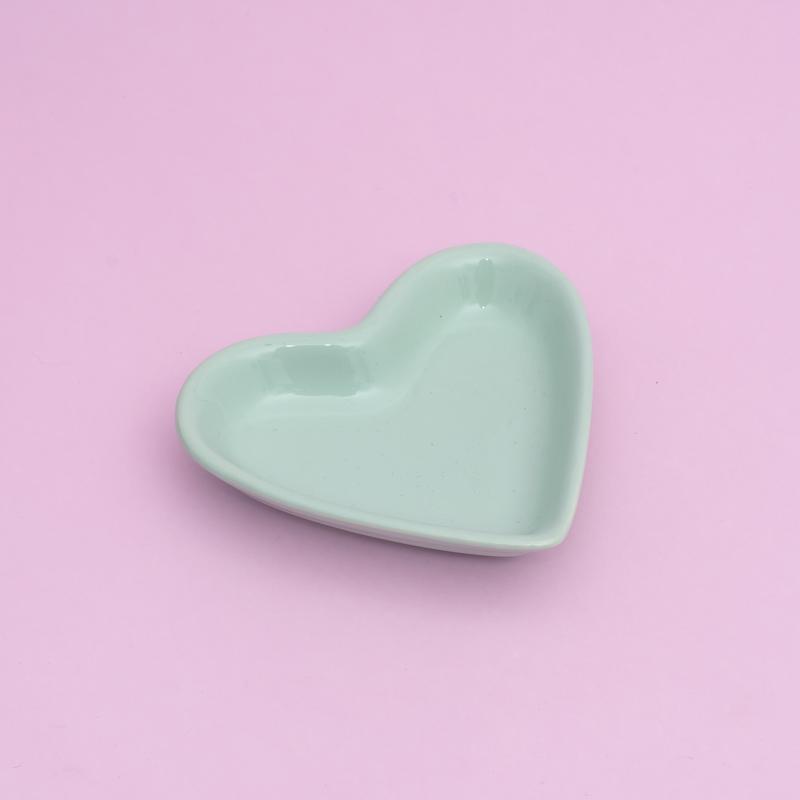 Pires formato coração verde bebê - Cód. ER148VB