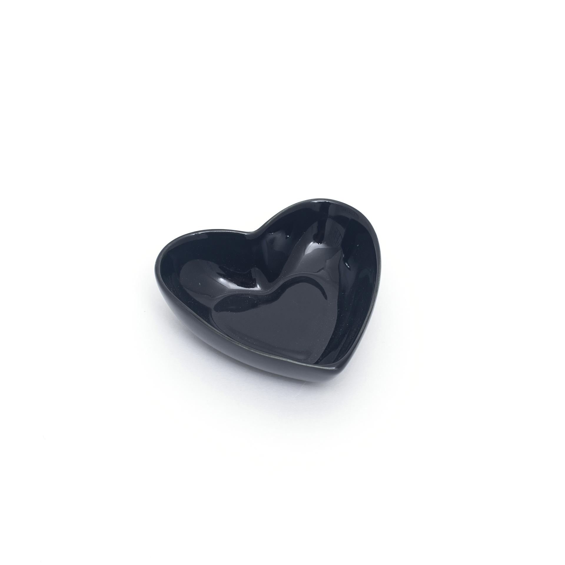 Pote de porcelana em formato coração preto P. Cód.2357