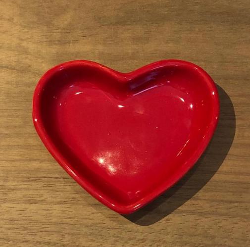 Pires formato coração raso vermelho escuro P - Cód. 8511V