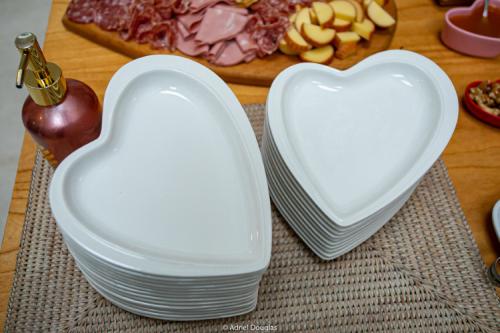 Prato formato coração travessa decorativo de cerâmica branco design P - Cód. OC407