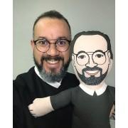Almofada Boneco Caricatura - Faça o seu com a roupa e a frase evangelizadora