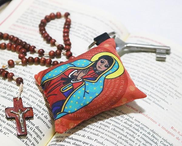 Chaveiro Almofadinha Ilustração Nossa Senhora de Guadalupe