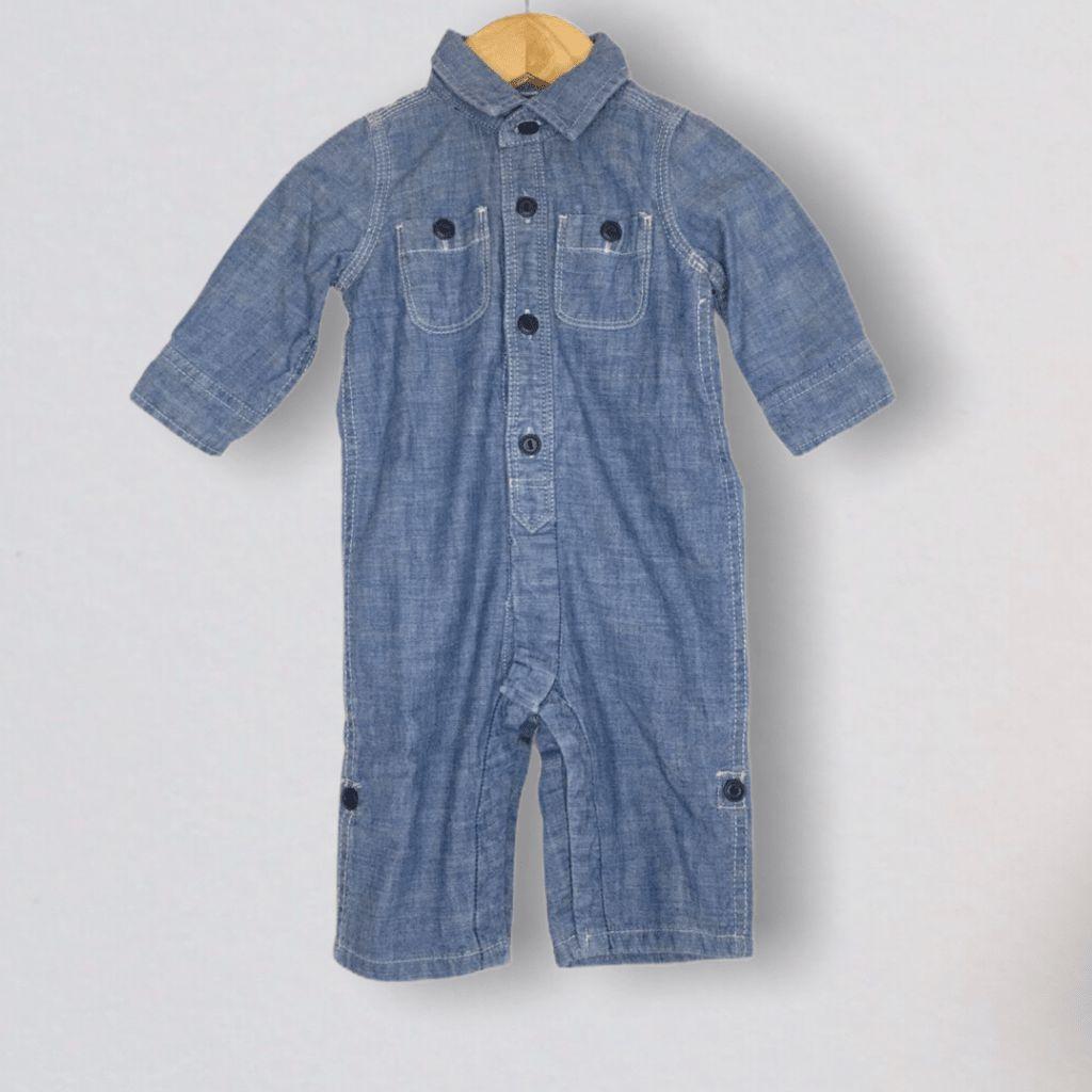 Macacão Jeans Gap