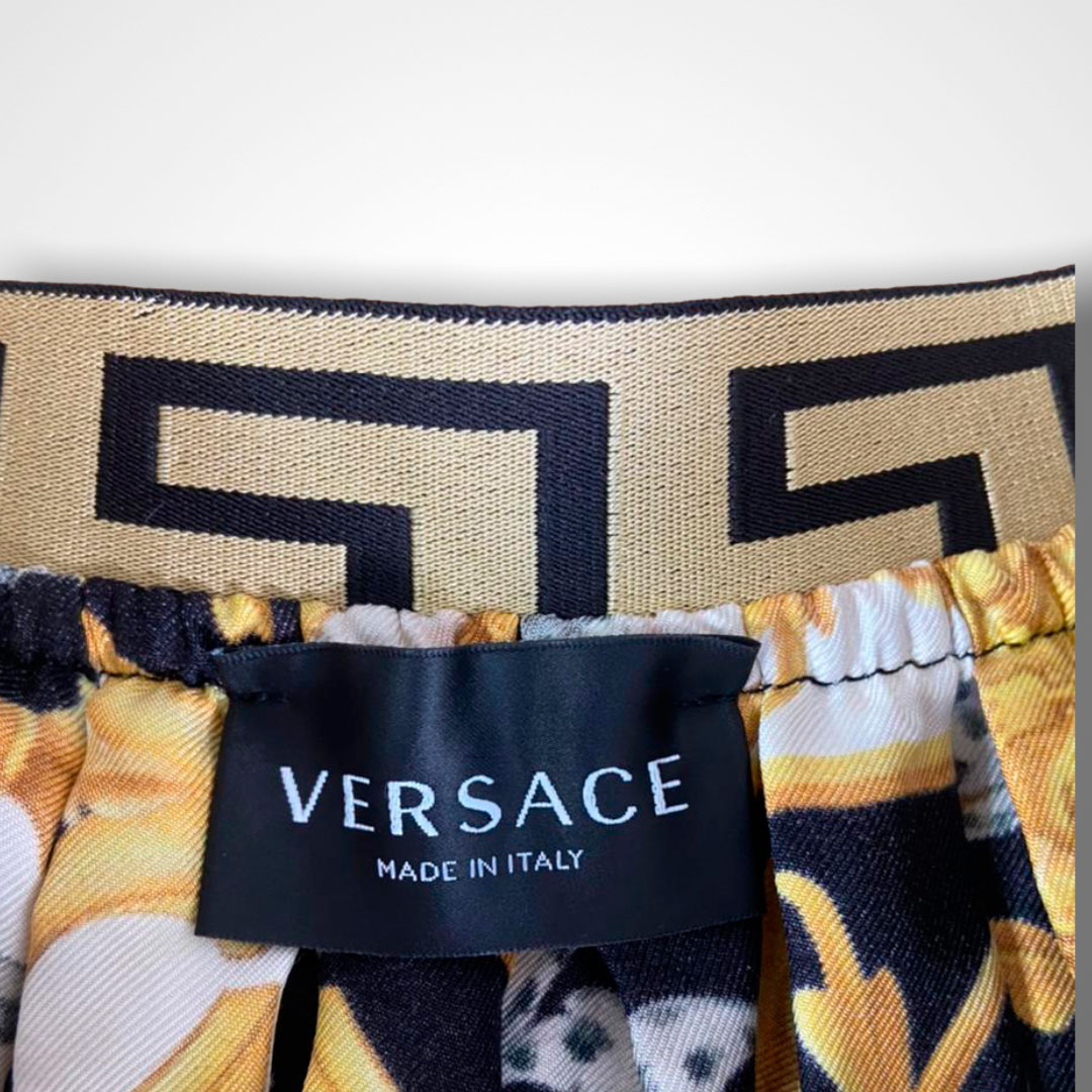 Saia Versace 8 anos